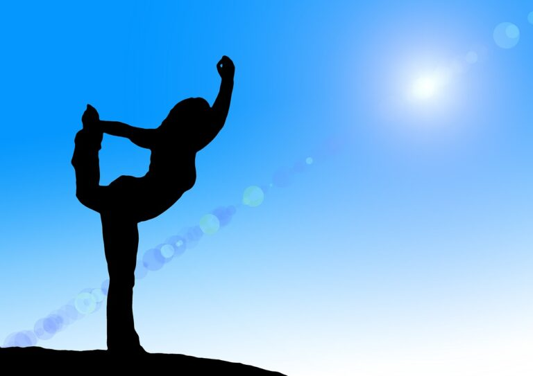 Thriving with Yoga: By Swami Yogaratna
